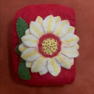 Handbags - Felt wool flower change purse